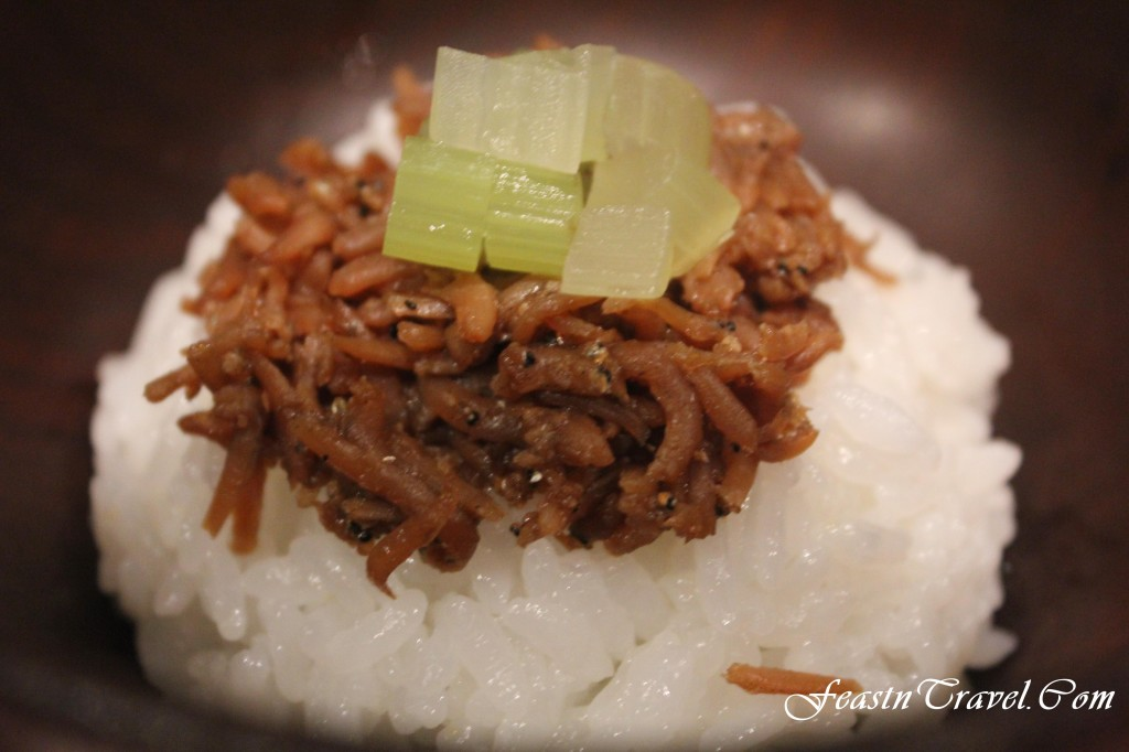 Saga rice topped with small herring